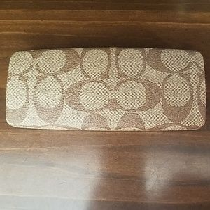 Coach Clamshell Hard Eye Glasses Case Signature